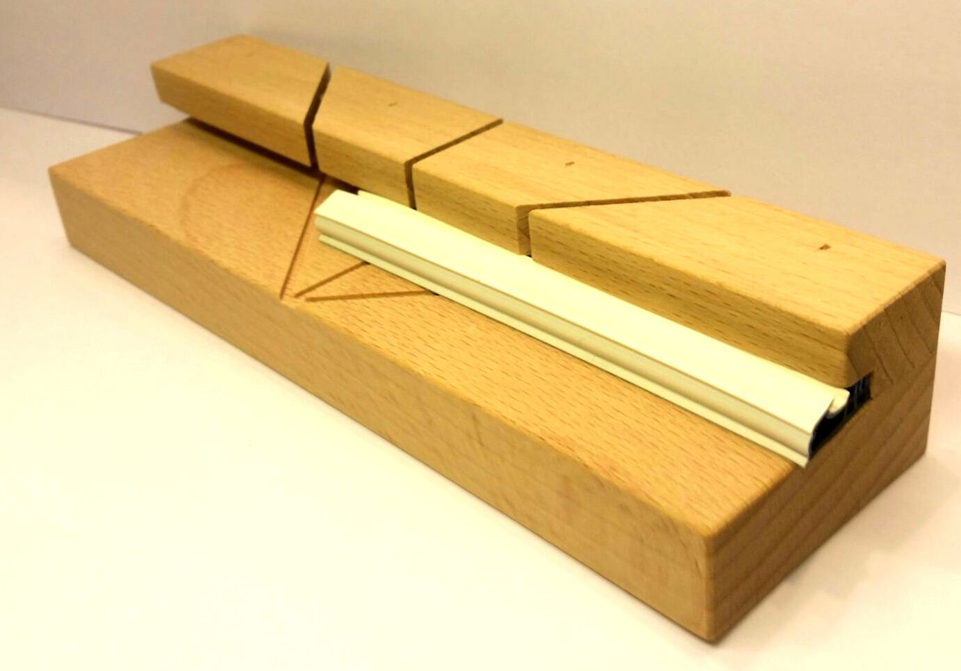Schablone Gehrungsschnitte 45° Holzfenster - Dichtung